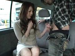 車で手コキ